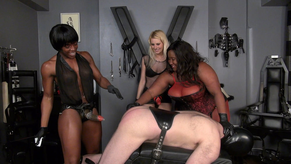 Hauer recommend Girl in dress shows big tits
