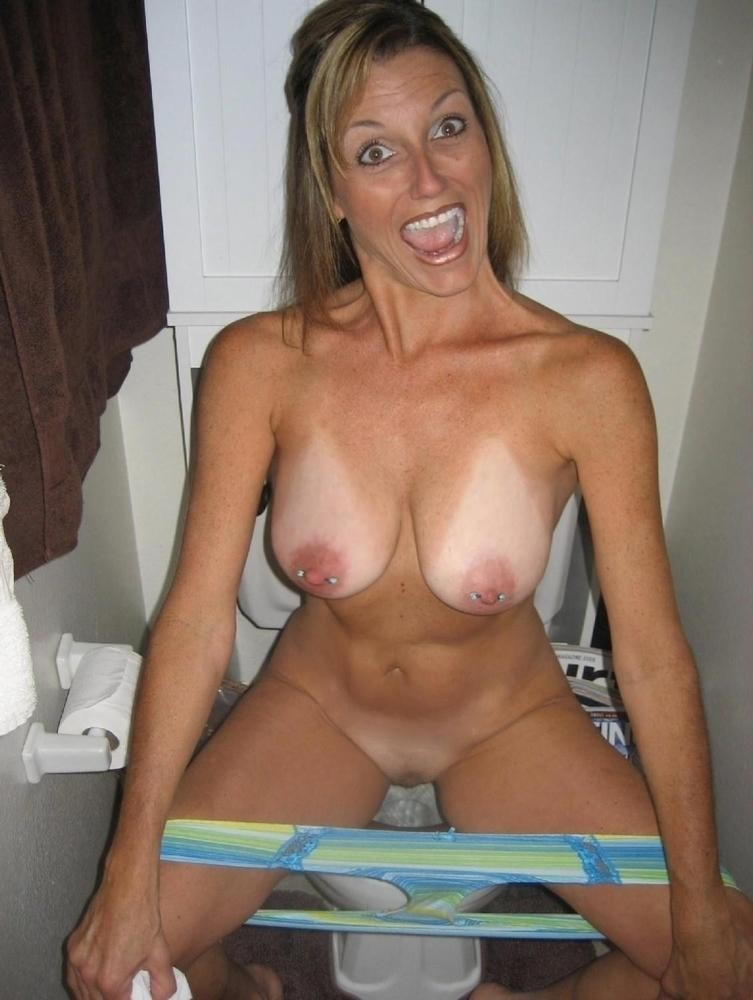 Candida recommend Sexy nicaol takes a shower