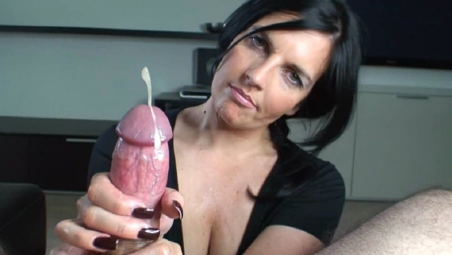 Karena recommend Giant cock in her