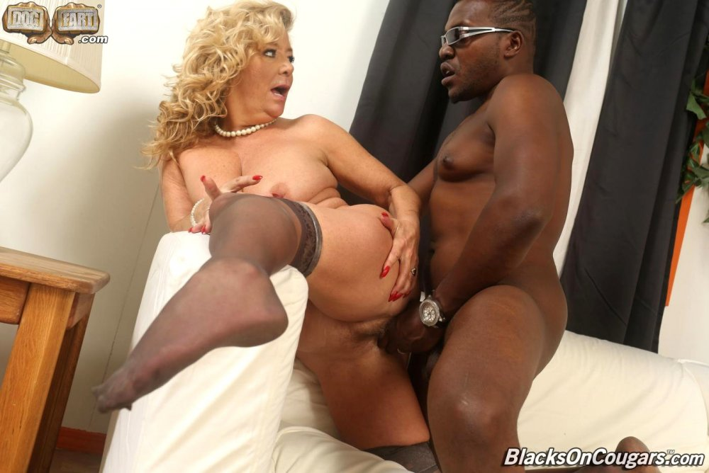 Ronni recommends White pants girl piss beach